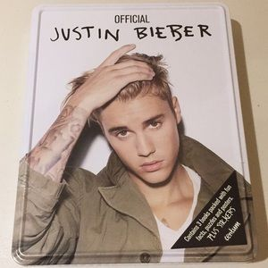 Official JUSTIN BIEBER Book, Posters, Puzzles NEW
